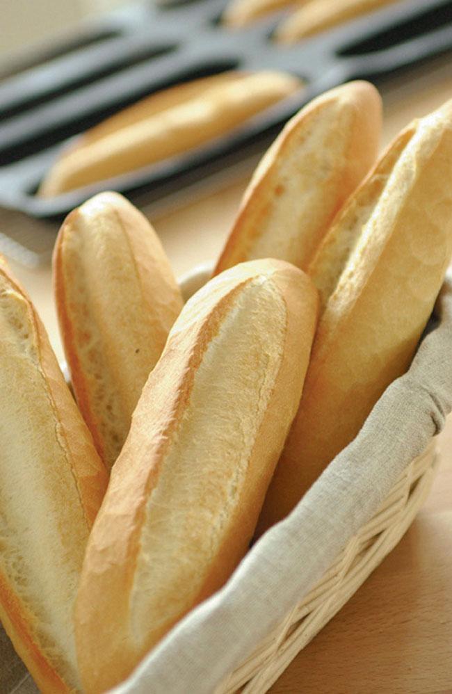 SILFORM® MINI BAGUETTE MOLD | Matfer USA kitchen utensils