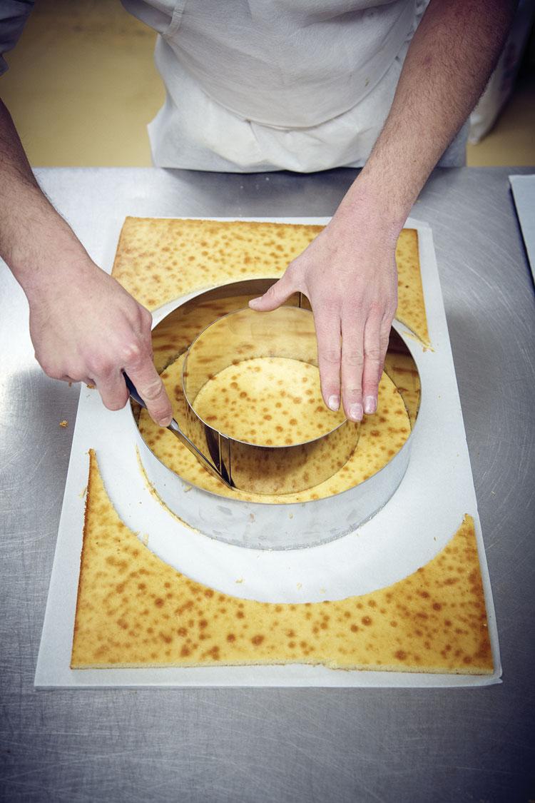 FRENCH STYLE WEDDING CAKE COMPLETE KIT   Matfer USA kitchen utensils