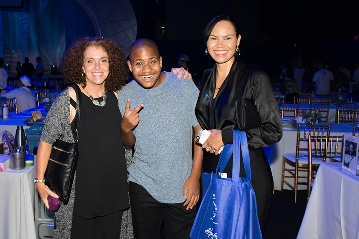 Matfer Sponsors Autism Speaks to LA Celebrity Chef Gala - Chase Bailey from Chase 'N Yur Face